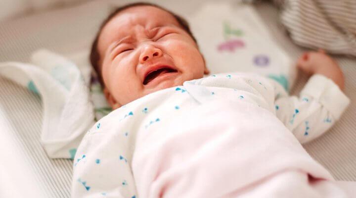 Cách nhân biết và chữa trẻ sơ sinh dưới 1 tháng tuổi bị táo bón